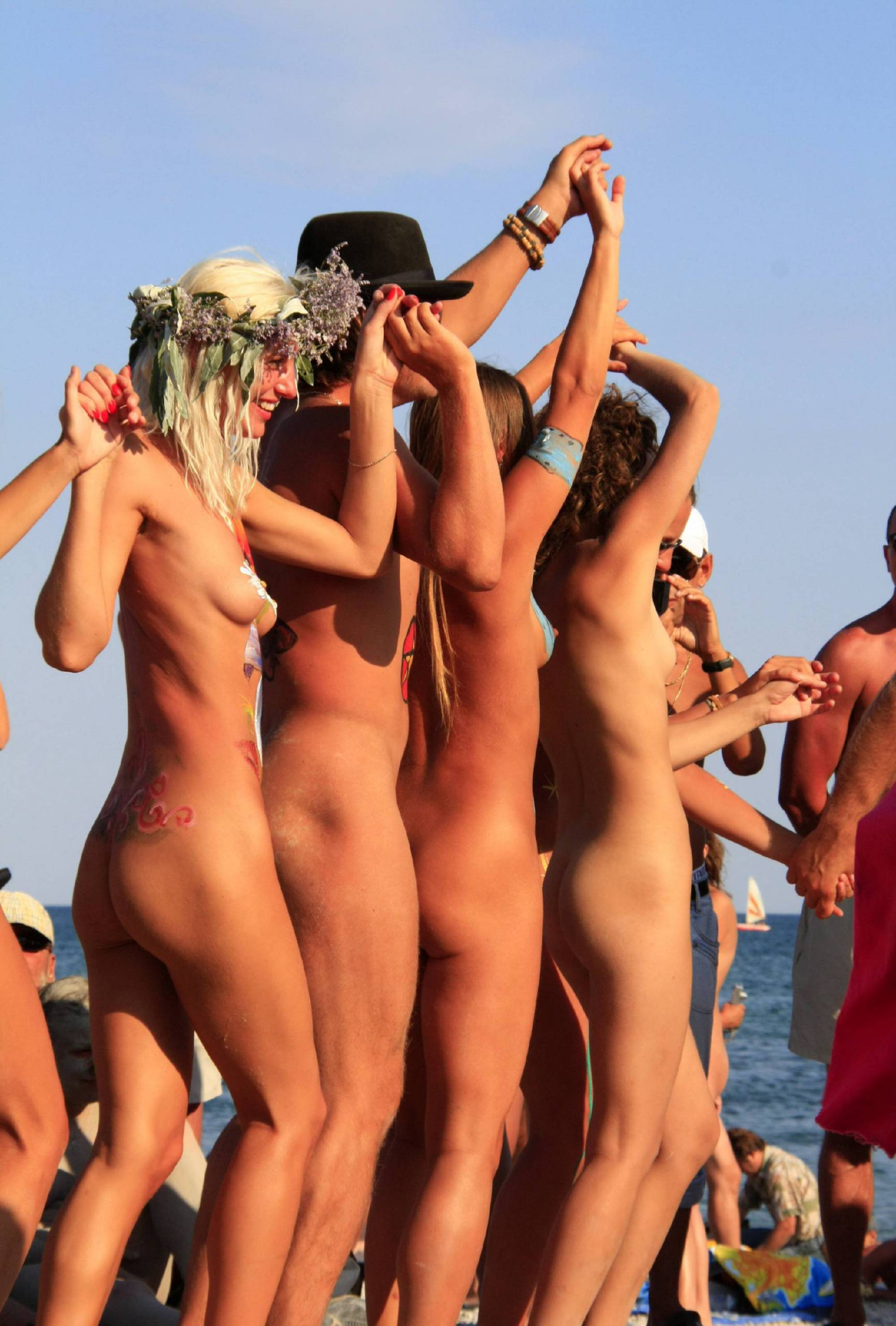 Blue Sky Beach Dance Off - 3