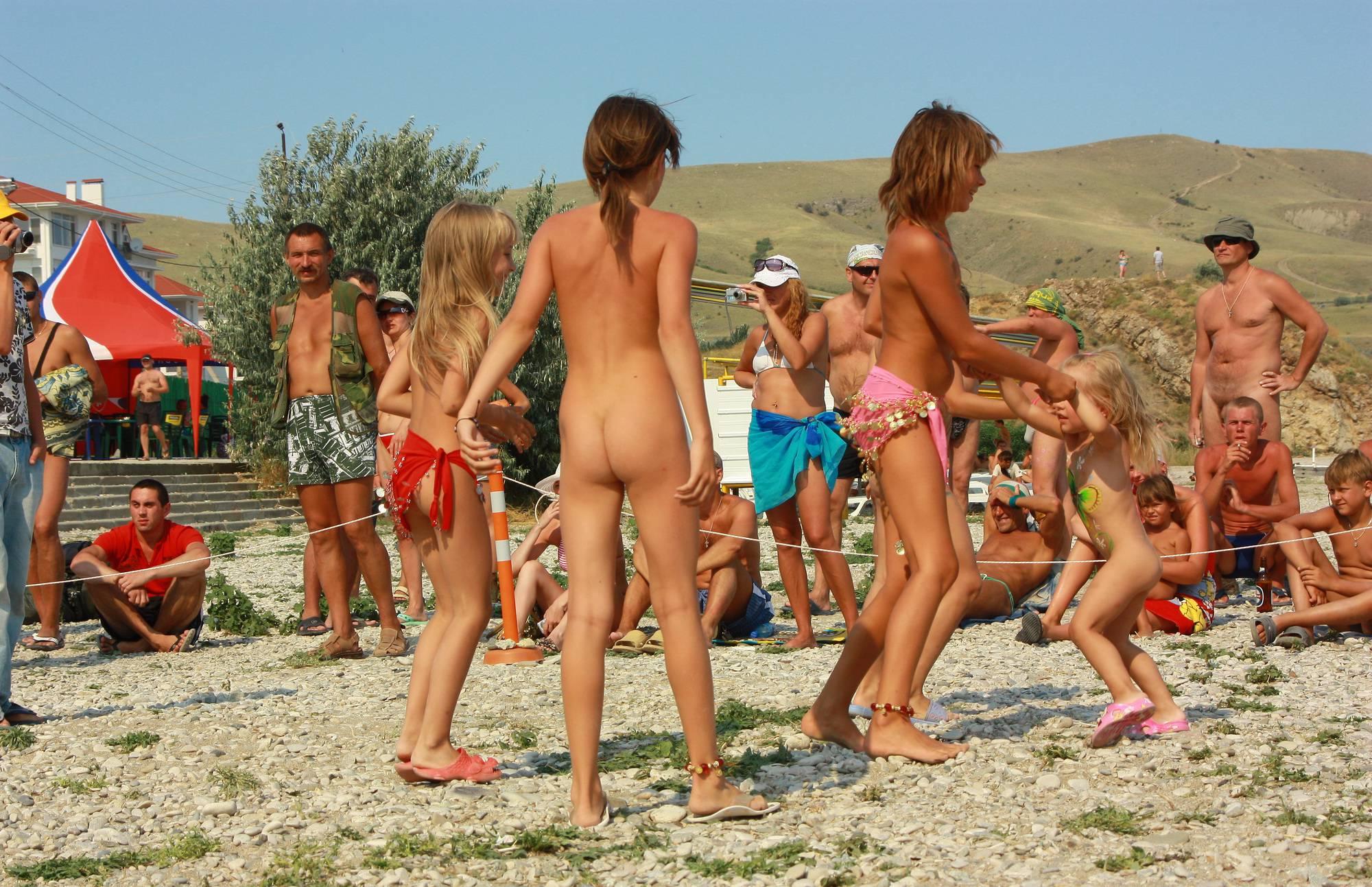 Purenudism Children's Group Dancing - 1