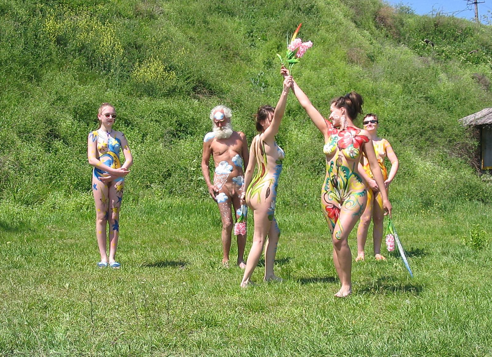 Pure Nudism Gallery Grassy Hill Performances - 1