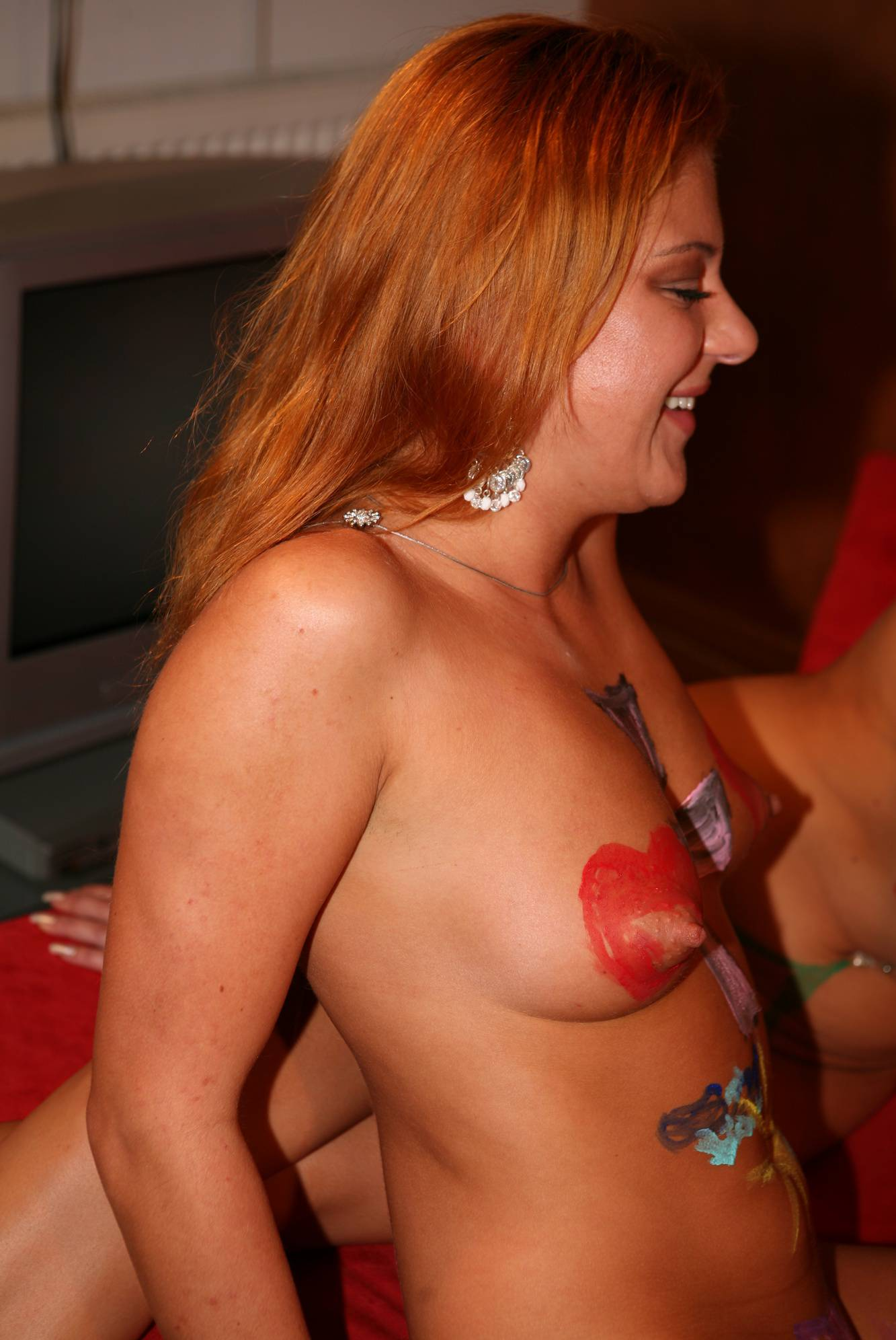 Pure Nudism Images Indoor Body-Painting Girls - 1