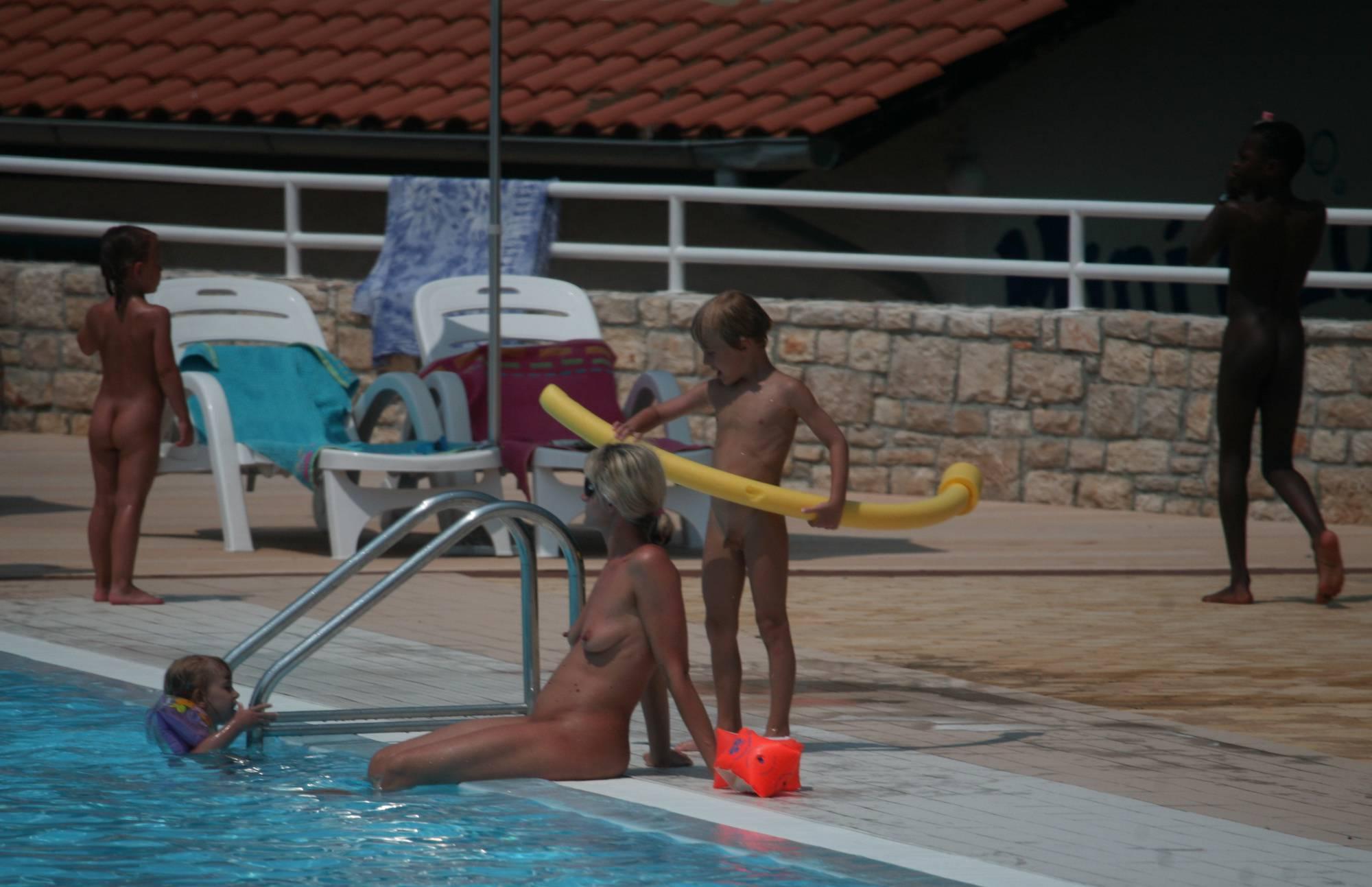 Naturist Poolside Families - 1
