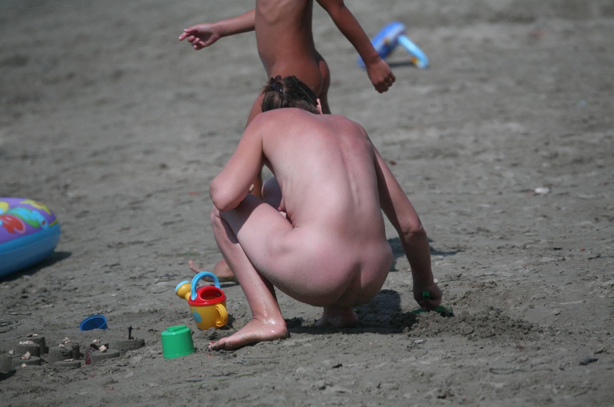 Pure Nudism Gallery Naturist Sand Playground - 1