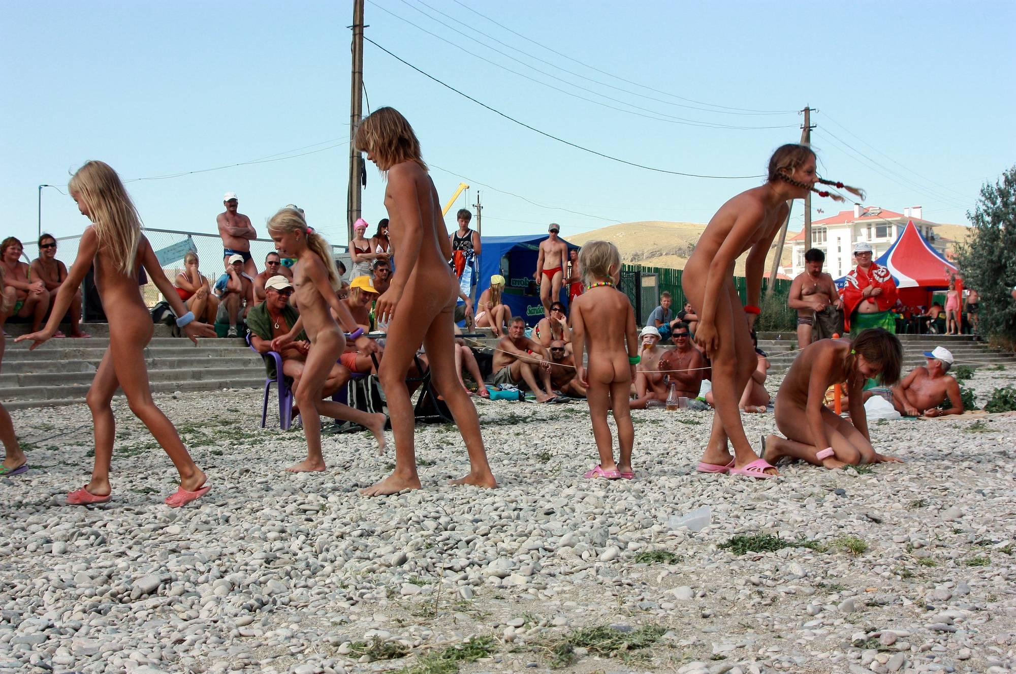 Nude Contestant Walk-Off - 2