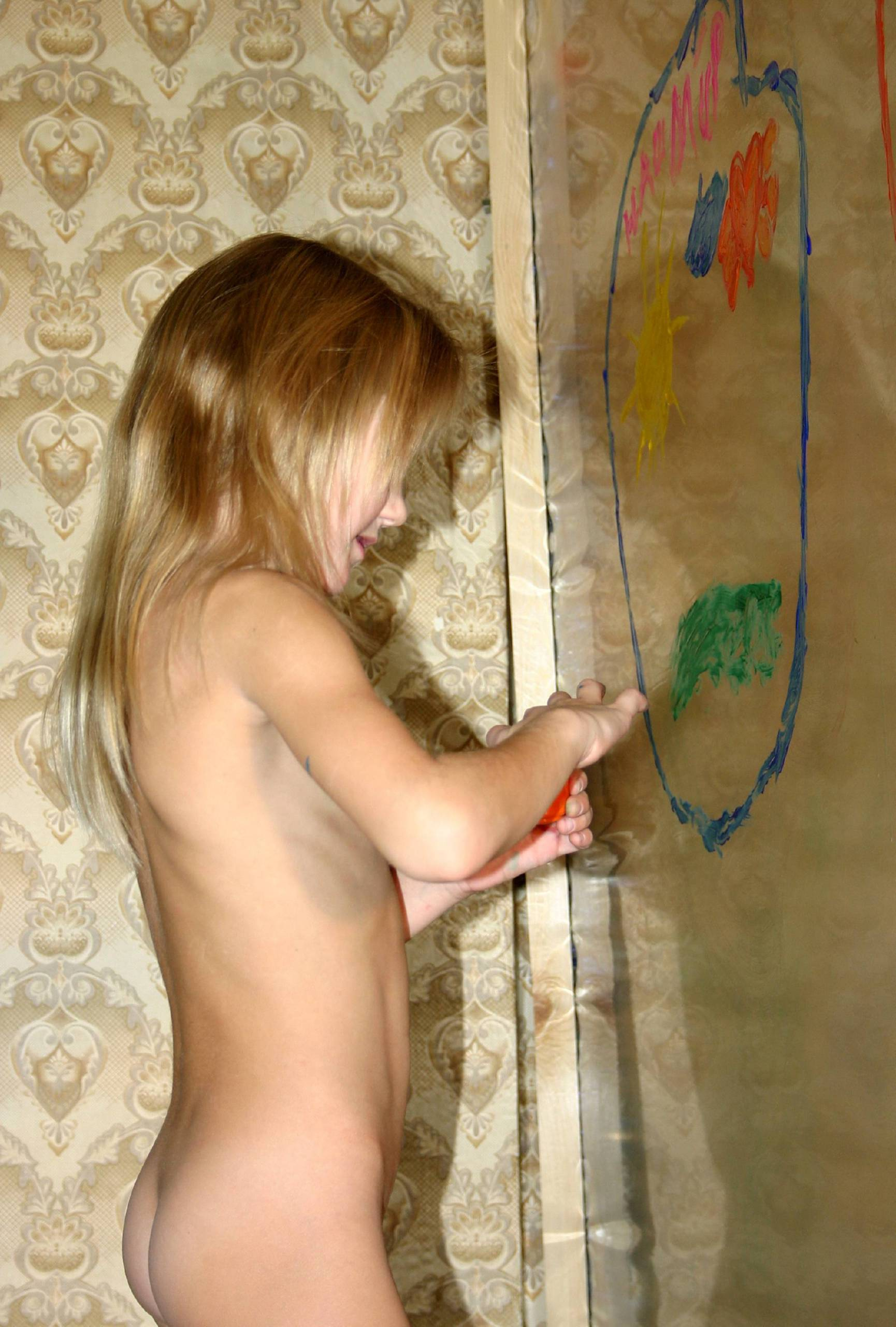 Pure Nudism Images World Atlas Finger Paint - 1