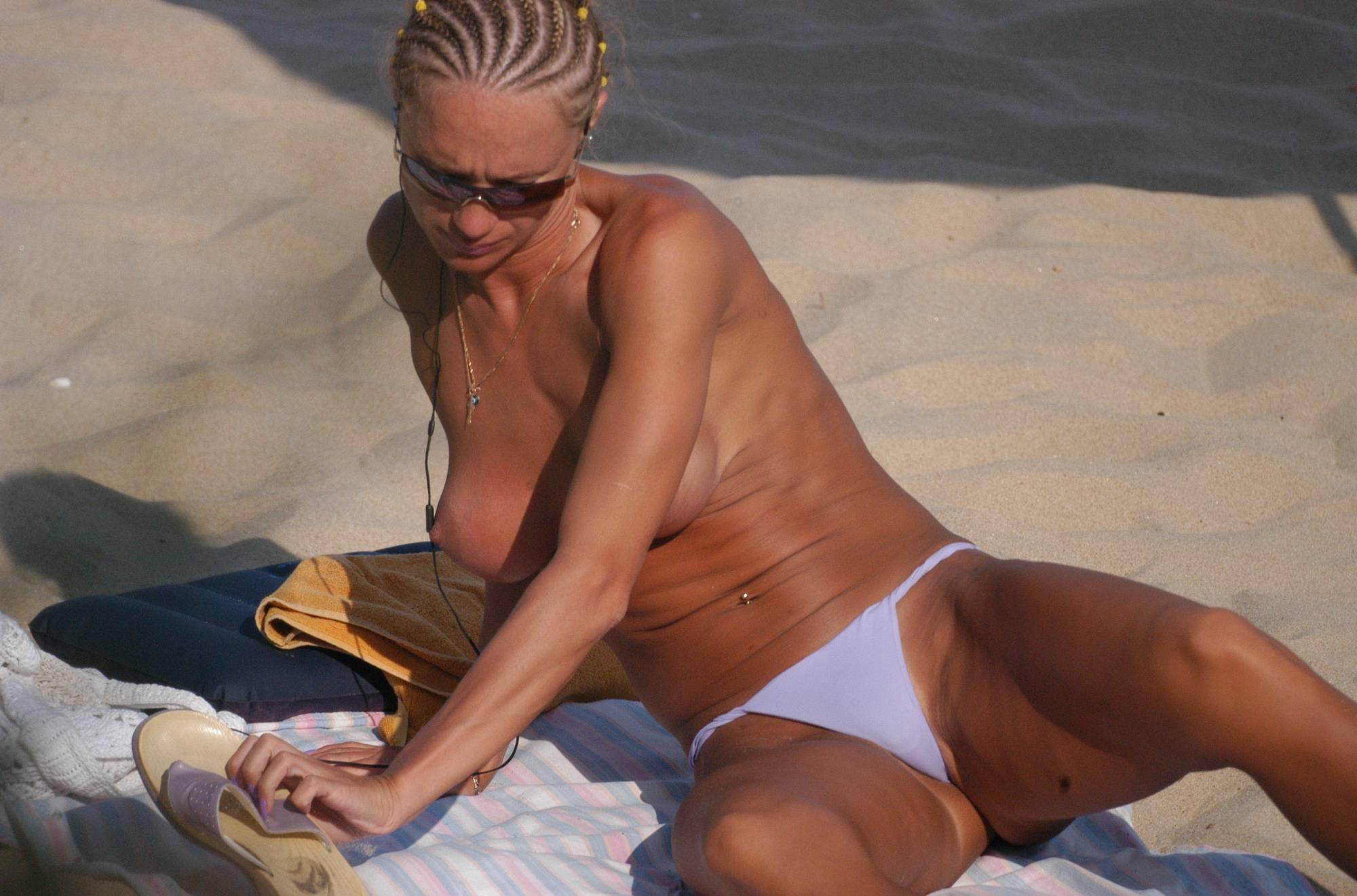 Purenudism Images Zlote Beach Sunbathers - 1